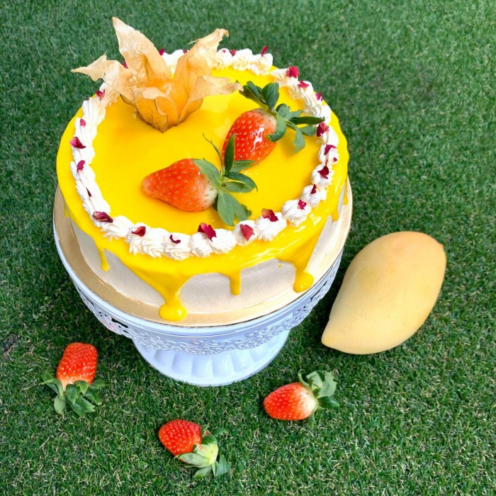 MANGO STRAWBERRY BIRTHDAY CAKE